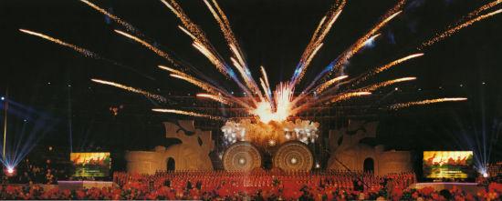 """1999年正式改名的""""南宁国际民歌艺术节""""在南宁华丽启幕"""