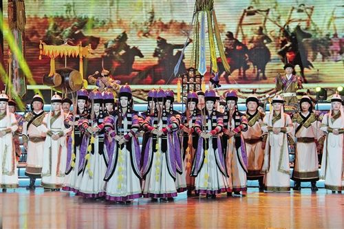 在第十届草原lifa88老虎机闭幕式上演出的《蒙古汗廷音乐》