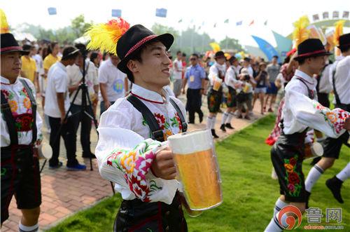 青岛国际啤酒节(资料照片)