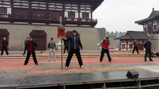 中国洛阳牡丹lifa88老虎机开幕式《花开中国跨越丝路》