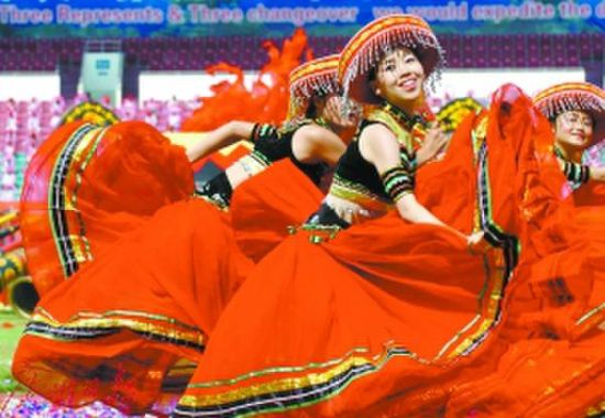 火把节是彝族人民最隆重的传统节日。